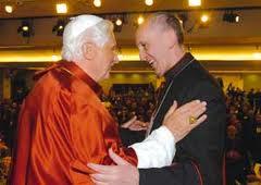 Benedetto XVI e Borgoglio ad Aparecida, in Brasile, nel maggio 2007