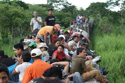 LA PILLOLA DELLA MIGRANTE. Sono sempre più le donne che la prendono prima di intraprendere il viaggio verso la frontiera messicana
