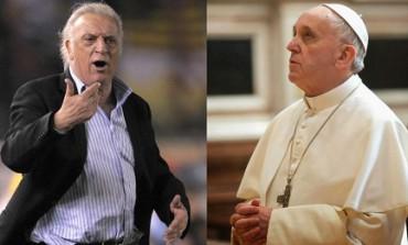 """CARTELLINO ROSSO PER BERGOGLIO. Il giorno che Basile """"espulse"""" il futuro Papa. Fu nel 1998, rivela l'allenatore: """"Non volevo nessuno che distraesse i giocatori"""""""