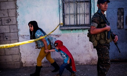 """""""NASCOSTI IN PIENA LUCE"""". Rapporto sulla violenza contro I minori in America Centrale. El Salvador al primo posto"""