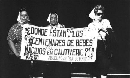 CHI SA PARLI. Il presidente dei vescovi argentini esorta i cattolici a fornire alle autorità informazioni sui bambini rubati durante il periodo della dittatura