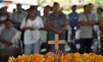 """""""NEL PAESE DELLE CARNEFICINE"""". La posizione della Chiesa messicana dopo la scomparsa dei 43 studenti di Ayotzinapa"""