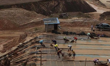 ORO MALEDETTO. Accampamenti abusivi e cercatori d'oro in Amazzonia. Il governo del Perù manda la truppa