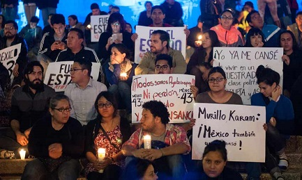 """L'EPILOGO PEGGIORE. Tre detenuti confessano: i 43 studenti sono morti. Rabbia e indignazione in Messico: """"Ci siamo stancati""""."""
