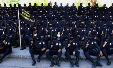 CUORE DI TENEBRA. Viaggio nella violenza del Salvador. Dove c'è chi – come Harry l'ammazza pandillas –  è disposto a tutto pur di distruggere le gang