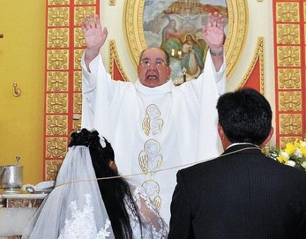 BOLIVIA. SPARISCE IL MATRIMONIO RELIGIOSO DAL NUOVO CODICE FAMILIARE. Dopo quello civile ciascuno celebrerà l'unione secondo gli usi e costumi degli sposi