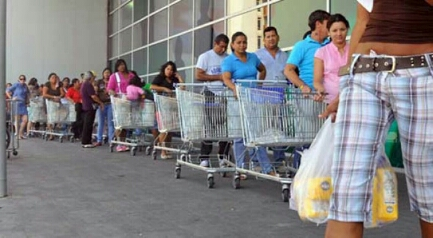 IL VENEZUELA TRA GOLPE E DIALOGO. Ultimi giorni per il presidente Maduro? Duro documento dei vescovi, che però rilanciano la necessità di una concertazione