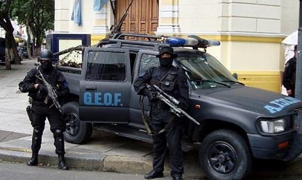 Operazione antinarcotici della polizia argentina
