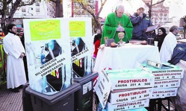 L'AMORE PREFERENZIALE PER I POVERI NEL PONTIFICATO DI FRANCESCO. Neoschiavitù e uomini scartati, le due icone della nuova povertà