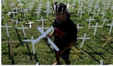 IN AUMENTO I SUICIDI TRA GLI INDIGENI DELL'AMAZZONIA. Un rapporto presentato ai vescovi brasiliani parla di 135 casi nel 2014, il numero più alto in 29 anni
