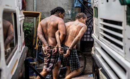 """L'INSURREZIONE DELLE PANDILLAS. Violenza e omicidi in El Salvador superano gli indici registrati negli anni della guerra civile. E c'è chi parla di una nuova """"insurrezione"""""""