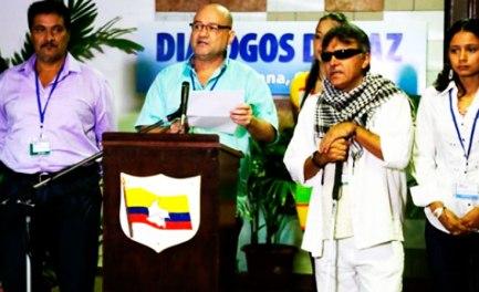 LA GUERRIGLIA BUSSA IN VATICANO. Adesso è ufficiale: Le FARC chiedono un incontro con Papa Francesco e la nomina di un suo Delegato ai negoziati di pace
