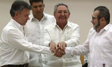 COLOMBIA. ADESSO LA PACE HA UNA DATA E IL PAPA UNA PROMESSA DA MANTENERE. Entro il 26 marzo 2016 verranno firmati gli accordi tra governo e FARC, 60 giorni dopo inizierà il processo di disarmo