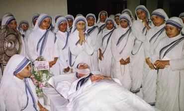 SORPRESE GIUBILARI. Madre Teresa di Calcutta in corsa verso la santità. La guarigione di un fedele brasiliano potrebbe essere il miracolo per canonizzazione della suora albanese