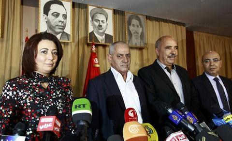 NOBEL PER LA PACE. IL PAPA DOVRA ASPETTARE. L'edizione 2015 a 4 organizzazioni tunisine protagoniste del dialogo in un paese minacciato dal terrorismo fondamentalista islamico