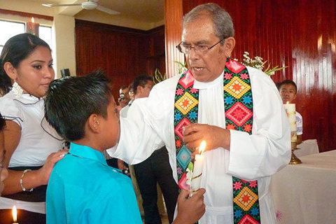 APPUNTAMENTO CON LA MORTE. Vescovo messicano minacciato fa sapere che tra due giorni tornerà nel luogo dove lo aspettano per assassinarlo