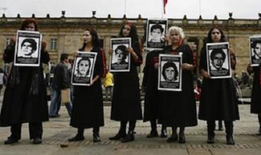 COLOMBIA, DESAPARECIDOS 2. Governo e Farc cercheranno, con l'aiuto della Croce Rossa, i resti di 25 mila persone scomparse