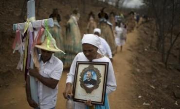 """RIABILITAZIONI BRASILIANE: PADRE CICERO DA IMPOSTORE A SANTO. Parolin: """"Una fede semplice in sintonia con il suo popolo"""". Boff: """"Un modello di santità nella linea di Romero"""""""