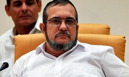 """LE FARC DELLA COLOMBIA CHIEDONO LA SPINTA DEL PAPA. Negoziato in stallo nella retta finale. Il massimo leader della guerriglia, """"Timochenko"""", scrive a Francesco"""