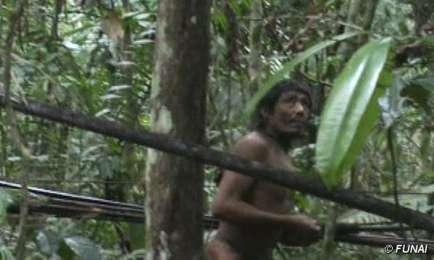 BUONE NOTIZIE. GLI ULTIMI KAWAHIVA HANNO UN FUTURO. La campagna di Survival International per salvare la tribù amazzonica dal genocidio ha dato risultati