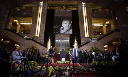 CENERI DI NOBEL. Sono quelle di García Márquez, che da domenica saranno deposte nel luogo dove resteranno per sempre, il chiostro dell'Università di Cartagena in Colombia