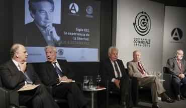 I DUELLANTI. L'ottantenne peruviano Vargas Llosa e il messicano Octavio Paz. Lo scontro tra i due premi Nobel per la Letteratura nel 1980. Due visioni di democrazia e sviluppo