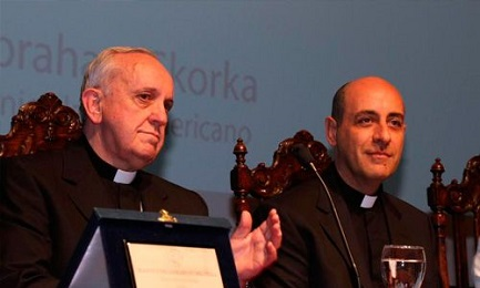 DALL'AMORIS LAETITIA ALLA DECENTRALIZZAZIONE DEL PAPATO E DELLA CURIA VATICANA. Intervista all'arcivescovo Fernandez, teologo argentino molto vicino al Papa