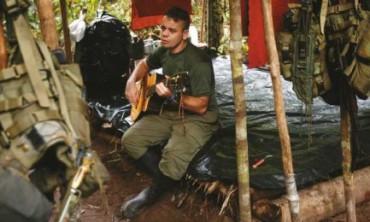 COLOMBIA. NEGLI ACCAMPAMENTI DELLA GUERRIGLIA ASPETTANDO LA NORMALITÁ. ¿Può tornare a vivere normalmente chi non ha conosciuto nient'altro che la guerra?