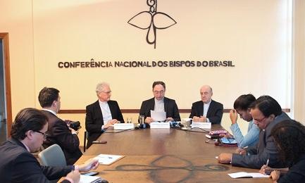 BRASILE. CHIESA E IMPEACHMENT. La posizione dei vescovi brasiliani e della CNBB. I pro, i contro, i delusi e i supporter della presidente sospesa