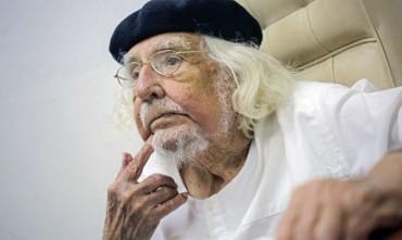 ERNESTO CARDENAL: IN NICARAGUA SI PREPARA UNA FARSA ELETTORALE. l'Ex prete-ministro sandinista sottoscrive un documento contro Daniel Ortega, suo antico alleato