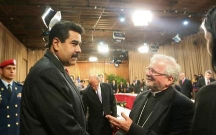 """VENEZUELA. ARRIVA L'INVITO DI MADURO. La Santa Sede tra i """"facilitadores"""" nel dialogo tra governo e opposizione"""