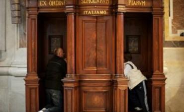 """""""PADRE HO UCCISO"""". Finisce l'Anno della Misericordia. Il """"confessore del Papa"""" racconta la sua esperienza in confessionale"""