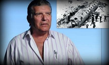 Carlos Miguel Páez. Nel riquadro l'aereo Fokker F27 precipitato sulla cordigliera nel dicembre 1972. FOTO RUBEN DIGILIO