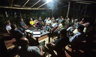 A MAGGIO SARANNO UN PARTITO. Fissato il momento della mutazione delle FARC della Colombia da movimento guerrigliero a forza politica. Trump permettendo…