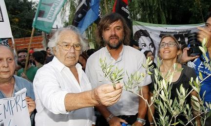 """PÉREZ ESQUIVEL, TRUMP E LE VIRTU' DELLA TORTURA. """"E' un uomo che farà molti danni"""". Intervista all'argentino Nobel per la Pace 1980"""