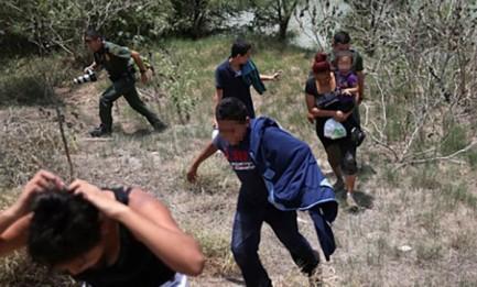 Migranti minorenni. Foto Archivio ContraPunto