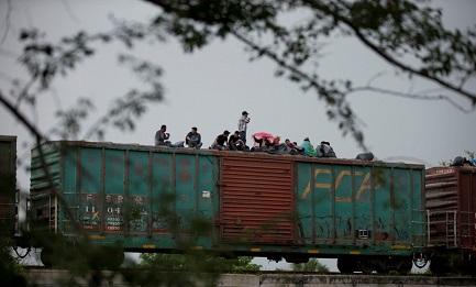Sul treno (AP-Rebecca Blackwell)