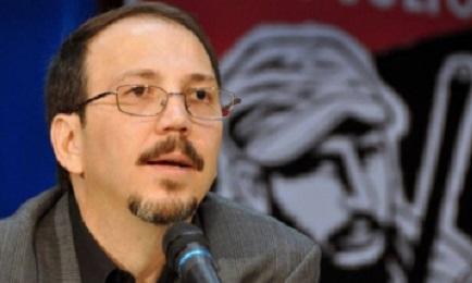 Il colonnello Alejandro Castro , capo della Commissione per la sicurezza pubblica di Cuba