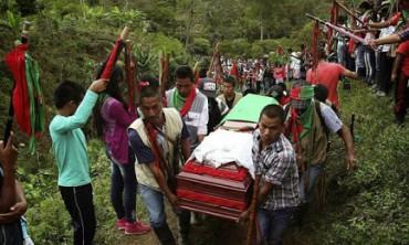 COLOMBIA. Mentre si lavora al viaggio del Papa per la primavera di quest'anno la pace appena raggiunta si tinge di vendetta: in 14 mesi assassinati 120 leader sociali