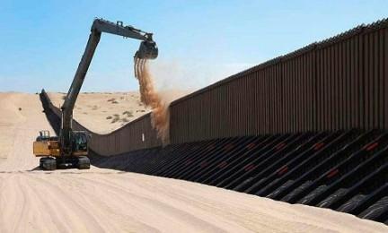 IL MURO DEI TRADIMENTI. Anatema della Chiesa messicana alle aziende nazionali disposte a collaborare alla costruzione del muro di Trump