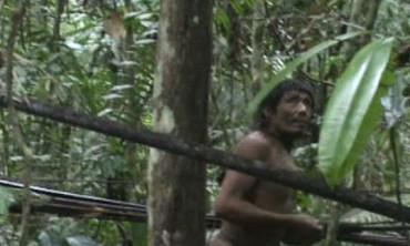 AMAZZONIA DOLENTE. Movimento per i diritti dei popoli indigeni svela un piano che minaccia l'esistenza di una popolazione amazzonica