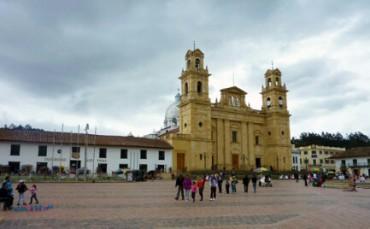 DAVANTI A LEI S'INGINOCCHIÓ BOLIVAR, LIBERATORE D'AMERICA. Il Papa in Colombia a settembre pregherà davanti al famoso dipinto della Madonna di Chiquinquirá