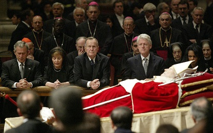 PAPI E PRESIDENTI DEGLI STATI UNITI NELLA STORIA. In 98 anni 6 Papi hanno accolto in Vaticano, in 20 udienze, 13 Presidenti USA