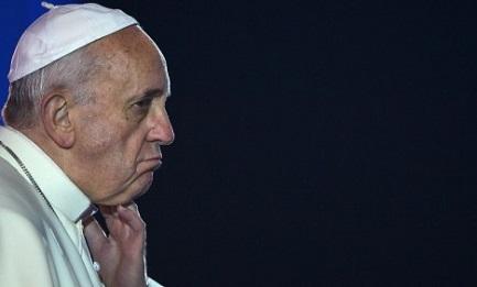 """PERCHÉ IL PAPA NON VA IN ARGENTINA? Il vescovo di una grande diocesi risponde così: """"Per non generare più conflitti, per evitare che si usi la sua figura come bandiera politica"""""""