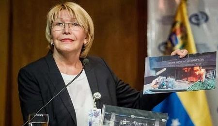 """LA SPINA DI MADURO. Per i governanti Luisa Ortega Díaz, Procuratore generale del Venezuela, è una """"fuori di testa"""". Ma potrebbe anche essere una risorsa per uscire dalla crisi"""
