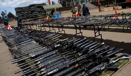 ARMI AL MACERO. Iniziata la distruzione delle munizioni consegnate dalle Farc della Colombia alle Nazioni Unite. Seguirà quella delle armi