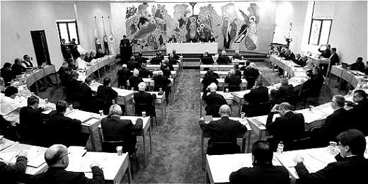Una rara immagine dei lavori della II Cenferenza generale dell'episcopato latinoamericano a Medellín nel mese di agosto del 1968