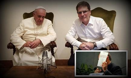 Il Papa con Figueroa. Nella foto piccola Spadaro mostra un numero di Civiltà Cattolica