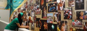 """LA FOTOGRAFA DI GUADALUPE. Si chiama Paola Torres, ha 30 anni e da sette è la fotografa ufficiale della basilica: """"Non cambierei il mio lavoro per niente al mondo"""""""