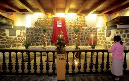 La tomba del cardinal Posadas nella cattedrale di Città del Messico (Foto Saúl Núñez)